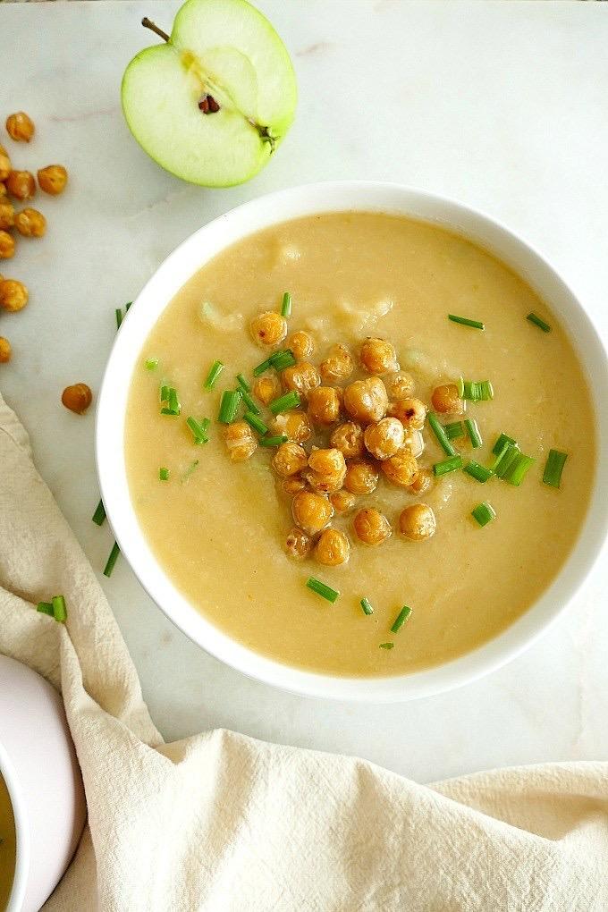 Суп из сельдерея с нутом